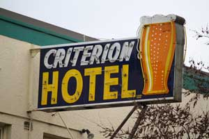 Criterion Hotel in Young